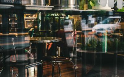 Tips til at vælge de rette cafeborde