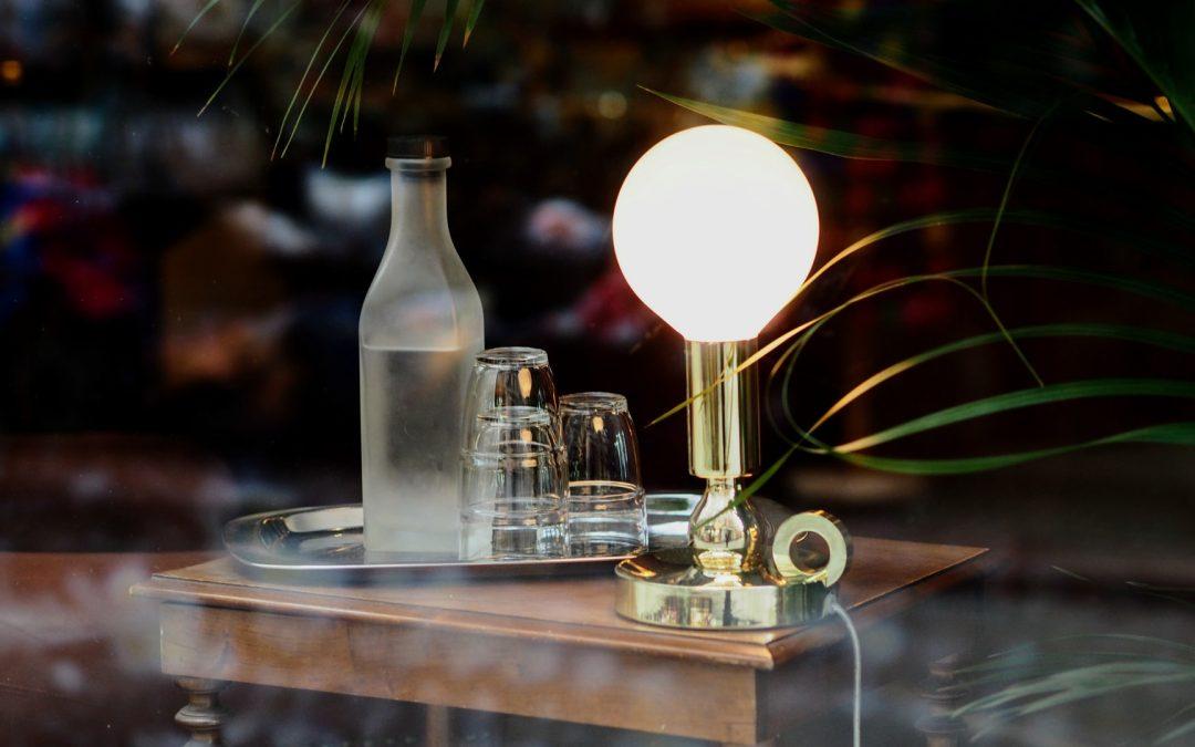 Klæd dit hjem med den ledningsfrie Flowerpot VP9-lampe